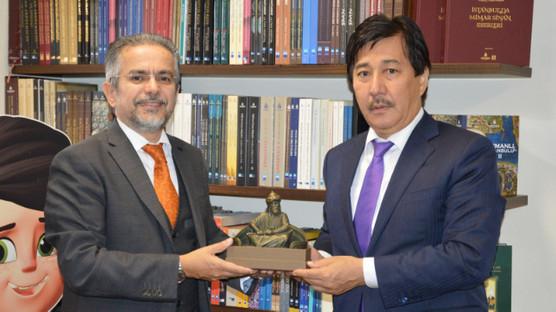 Kazakistan Al Farabi Üniversitesi Rektörü İBB Kültür AŞ'yi Ziyaret Etti